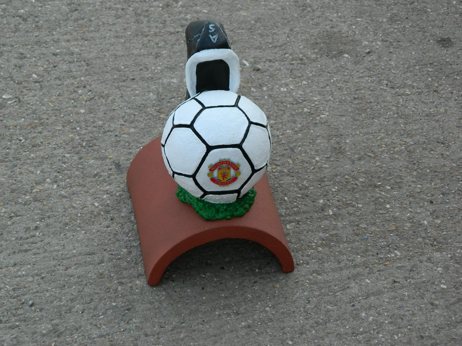 Manchester United handpainted football finial