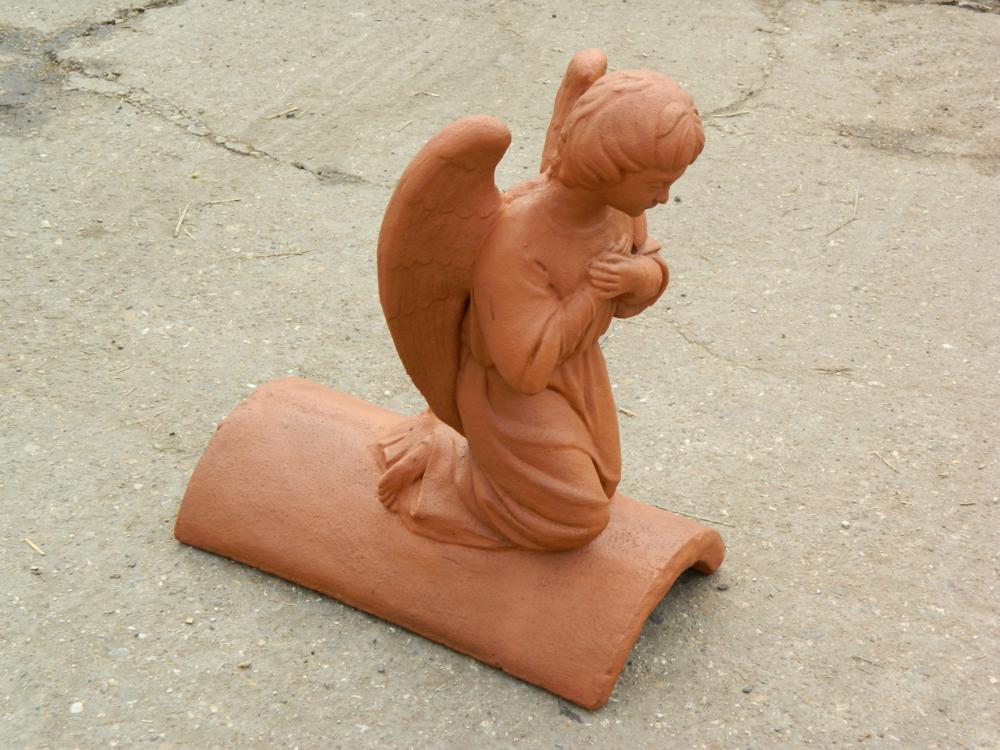 Marley smooth red angel finial