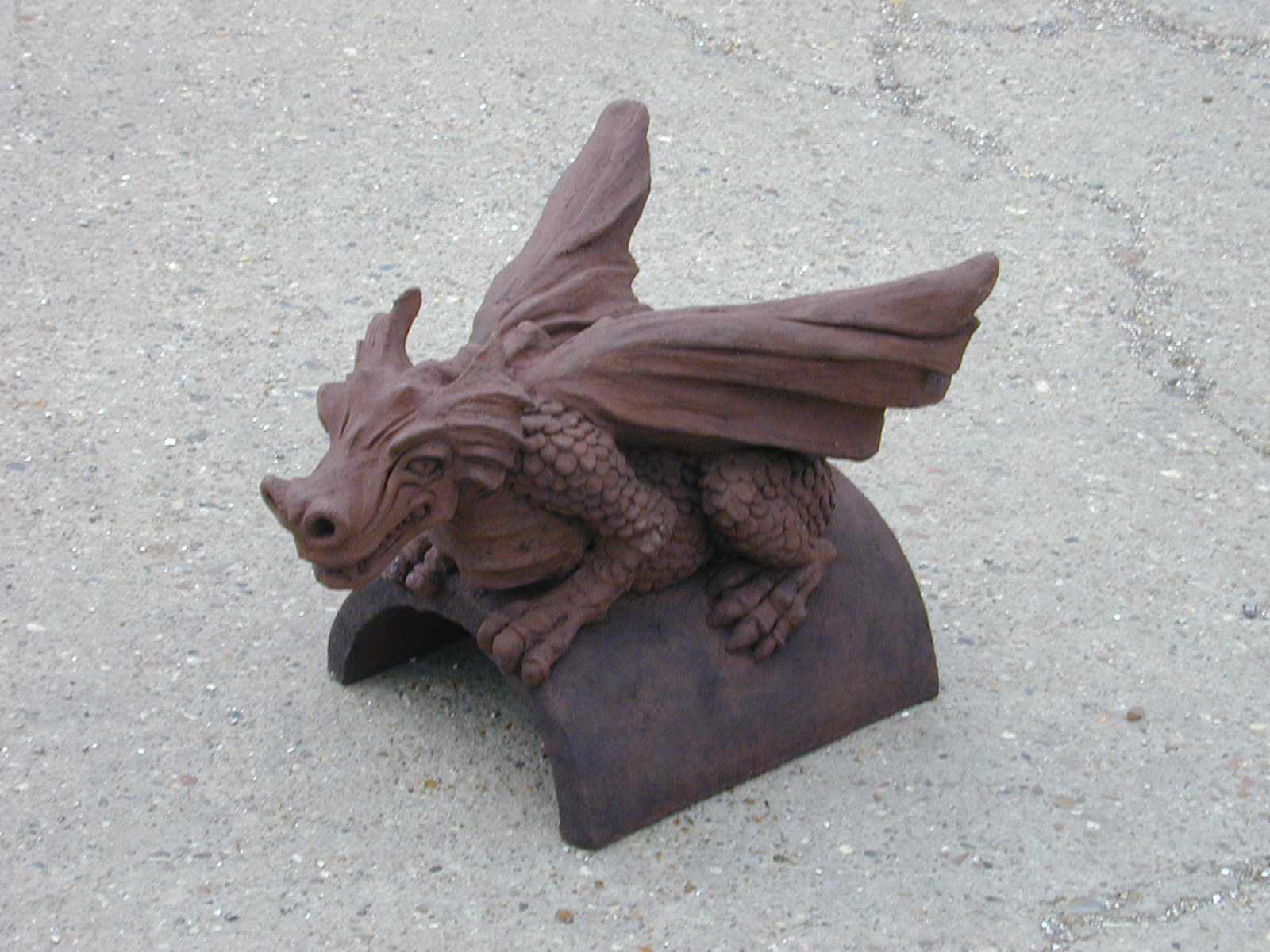 dragon finial in redland hedgerow brown