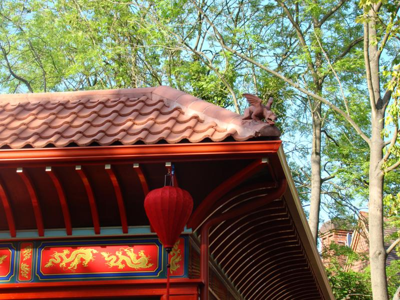 Oriental_style_dragon_on_chinese_roof