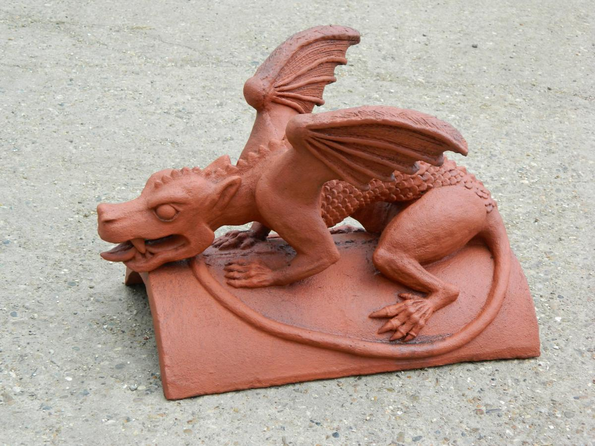 dragon of wales roof finial