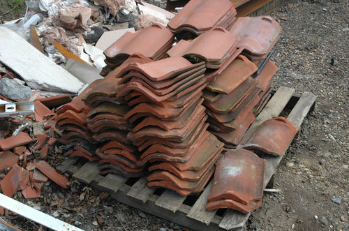pallet_of_used_norfolk_red_clay_roof_tiles2